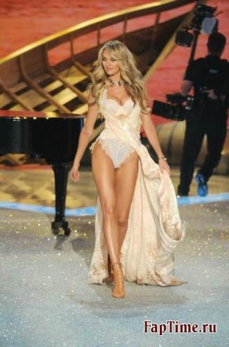 Victoria's Secret Fashion Show 2013-2014
