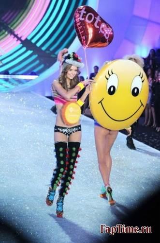 Victoria's Secret Fashion Show 2013-2014