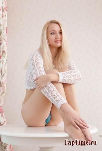 Фотосессия,русской, молодой и сексуальной блондинки.
