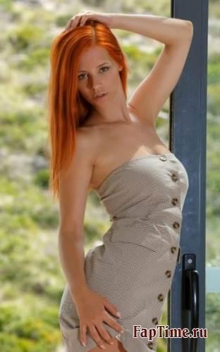 Красивыая рыжая  девушка, фото