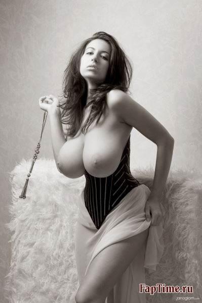kontakte-eroticheskie-miss-bolshaya-siski-mozhno-ebatsya-video