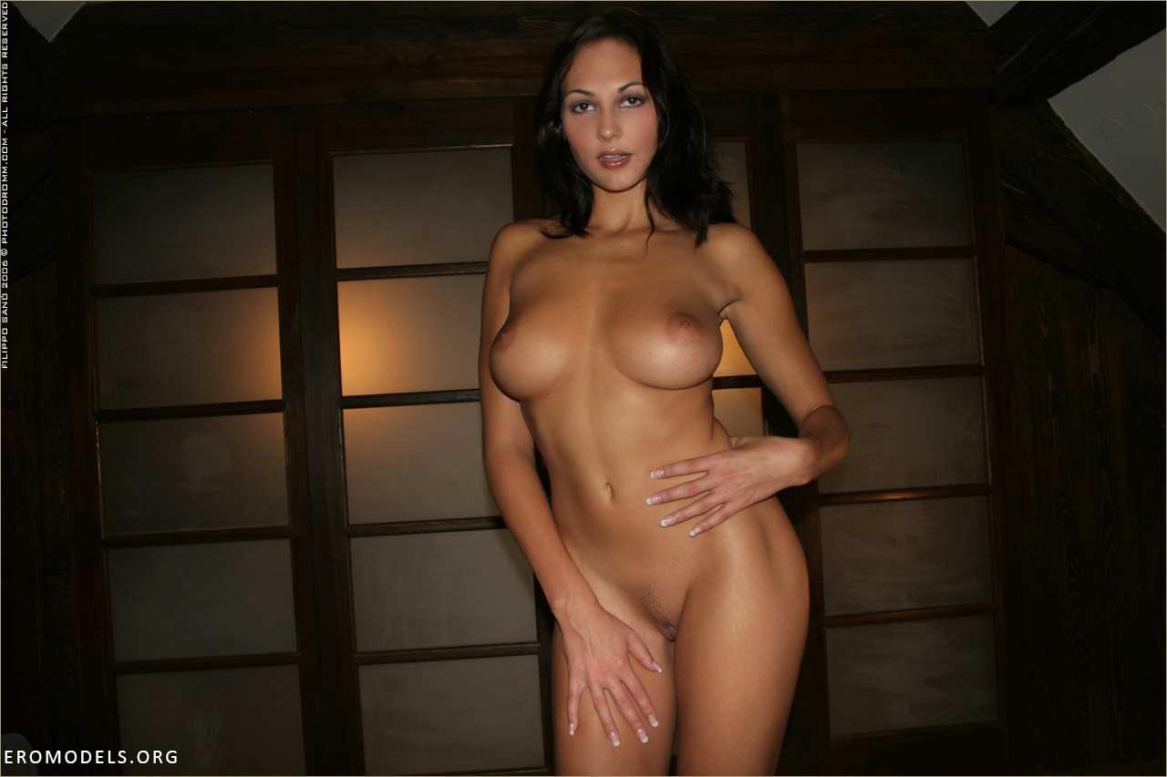 Enhance boob size