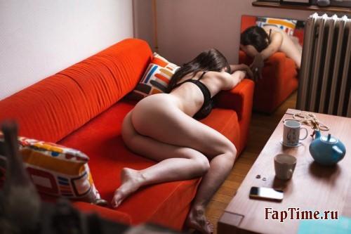 Частное фото девушек домашние на FapTime