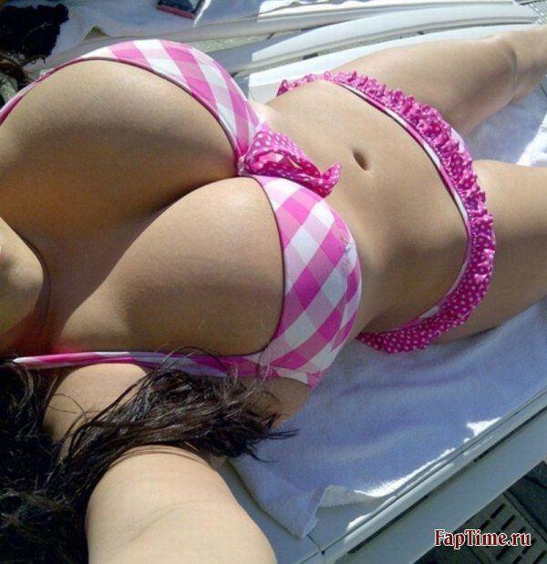 Фото девушек в купальниках