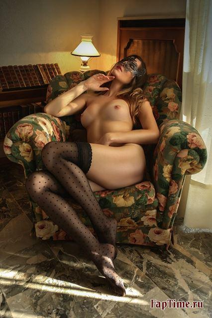 Красивые девушки в чулках это сексуально!